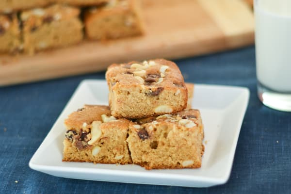 Butterscotch Bars with Cashews and Chocolate Chips - Salu Salo Recipes