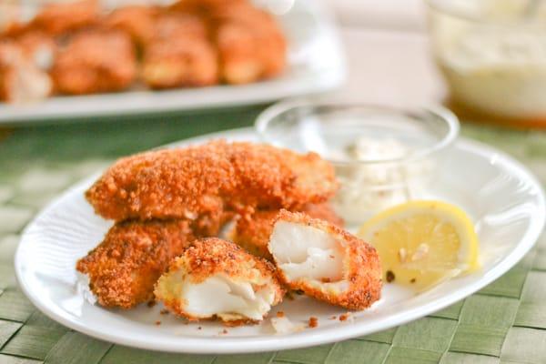 Crispy fish sticks with tartar sauce salu salo recipes for Fish stick sauce