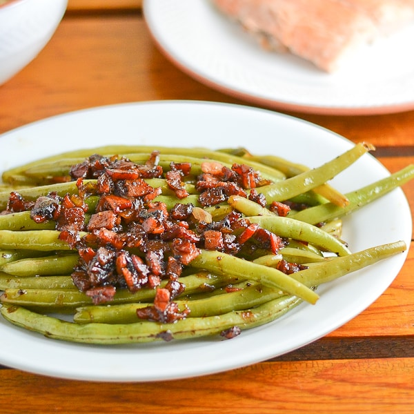 how to cook fresh green beans with bacon and garlic