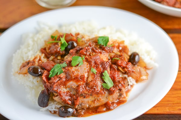 Easy Slow Cooker Puttanesca Chicken